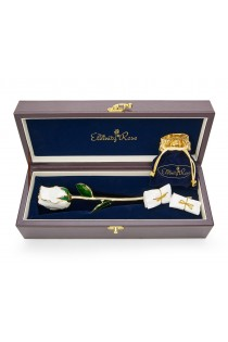 White Matched Set in Gold Heart Theme. Tight Bud Rose, Pendant & Earrings