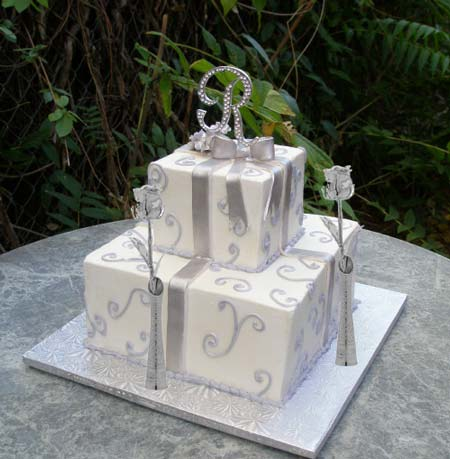 Silver Eternity Rose with Silver Wedding Cake