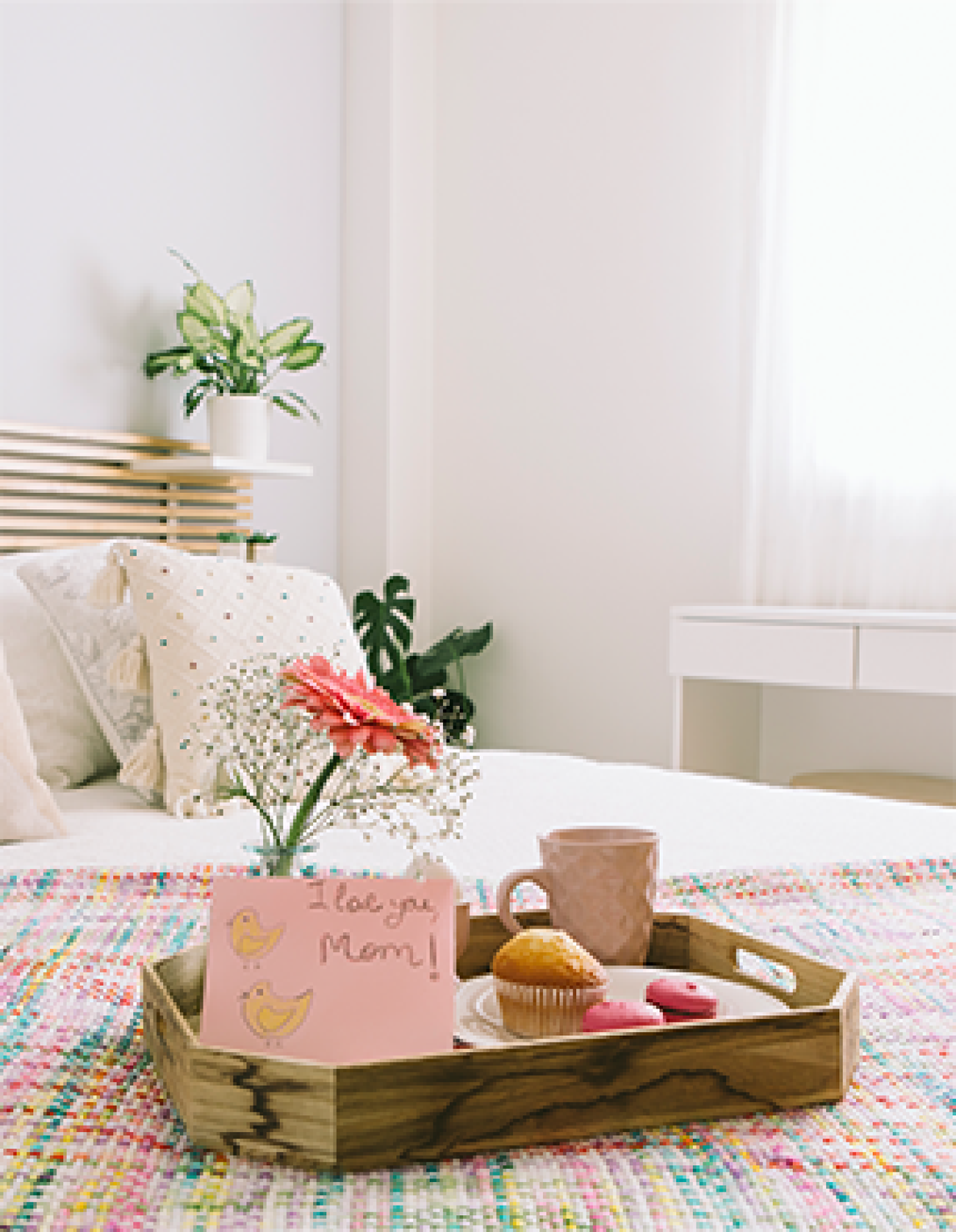 Mothers day food traditions - breakfast in bed